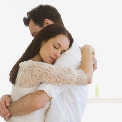 Başım ağrıyor!  Erkeklerin geceleri duymaktan nefret ettikleri bir cümle: 'Başım ağrıyor!' Bu cümle, gece hiçbir aksiyon yaşamayacağınınızın habercisi!  Size tavsiyemiz eğer onu çok arzuluyorsanız sevgilinize önce bir ağrı kesici verin, sonra da aşk oyunlarıyla onu kendinize çekmeye çalışın. Eğer hiç umut yoksa ona sarılarak ona olan sevginizi hissettirin ki ertesi gün de başı ağrımasın!